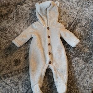 Gap Off White Baby Bunting 0-3 Months